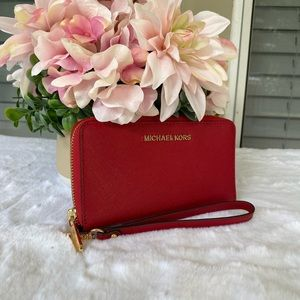 ❣️❣️Michael Kors wallet and phone case
